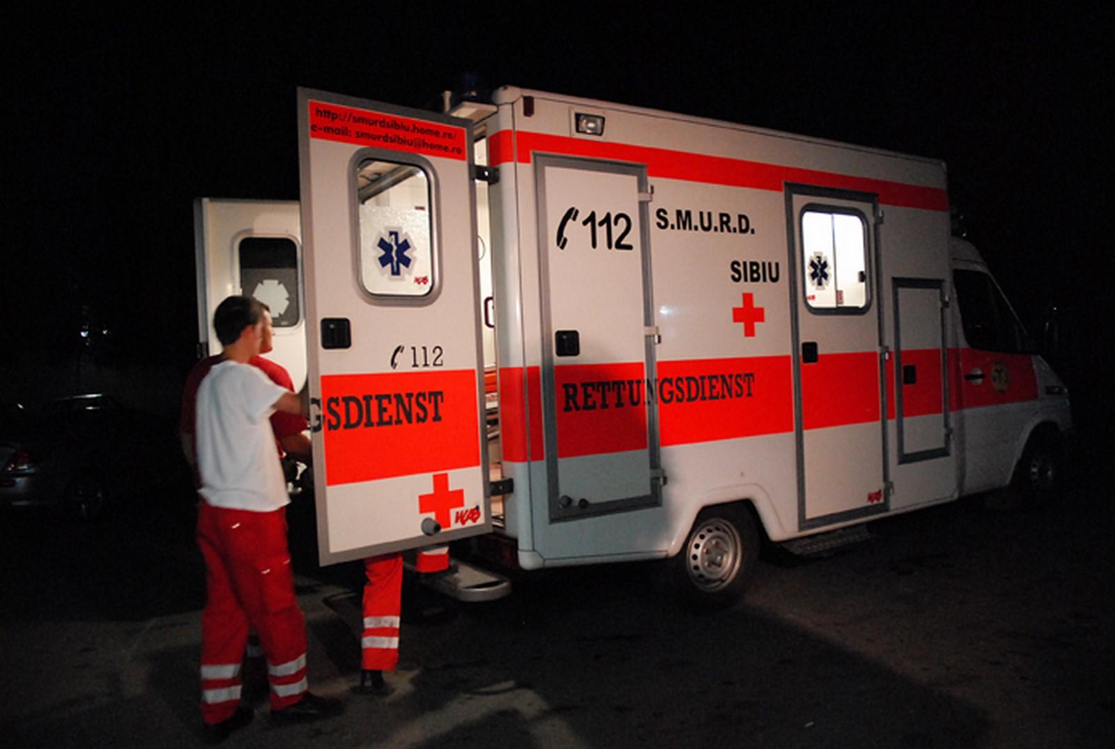 Un șofer băut, cu permisul suspendat pentru consum de alcool, a băgat cinci oameni în spital