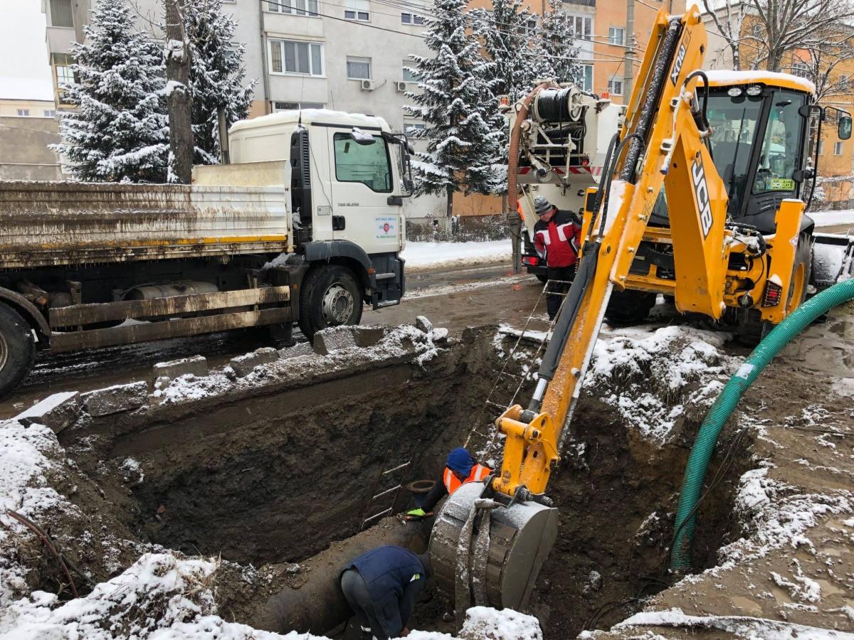 Avarie pe str. Bieltz. Rețeaua de apă afectată în mai multe zone din municipiul Sibiu și două localități