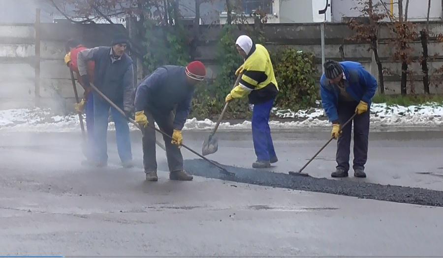 Încep plombările de primăvară: 18 străzi din Sibiu, primele pe listă