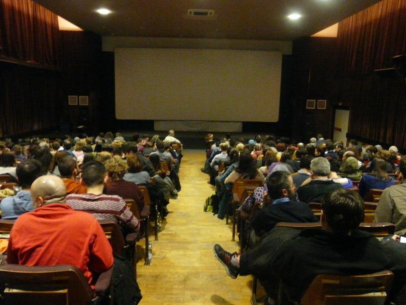 Astra Film umple sălile de cinema în Cluj, București și acum la Iași