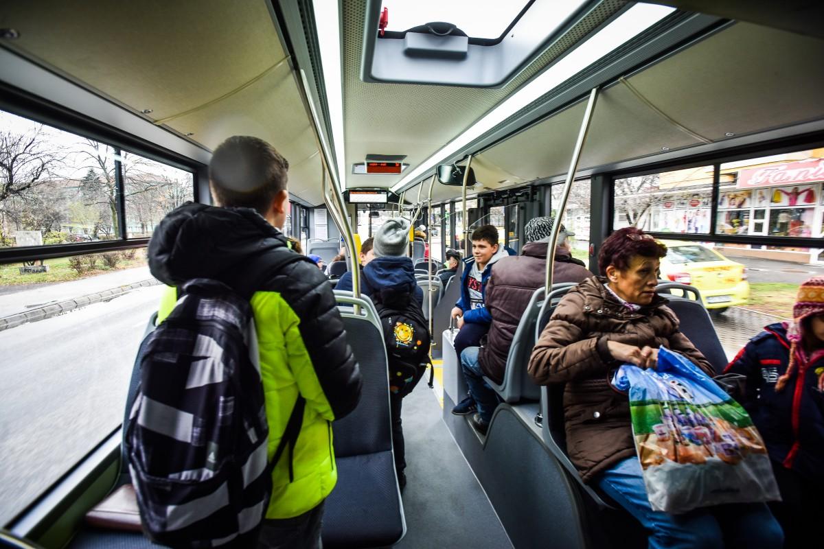 De azi, autobuzele Tursib au internet Wi-Fi gratuit pentru călători