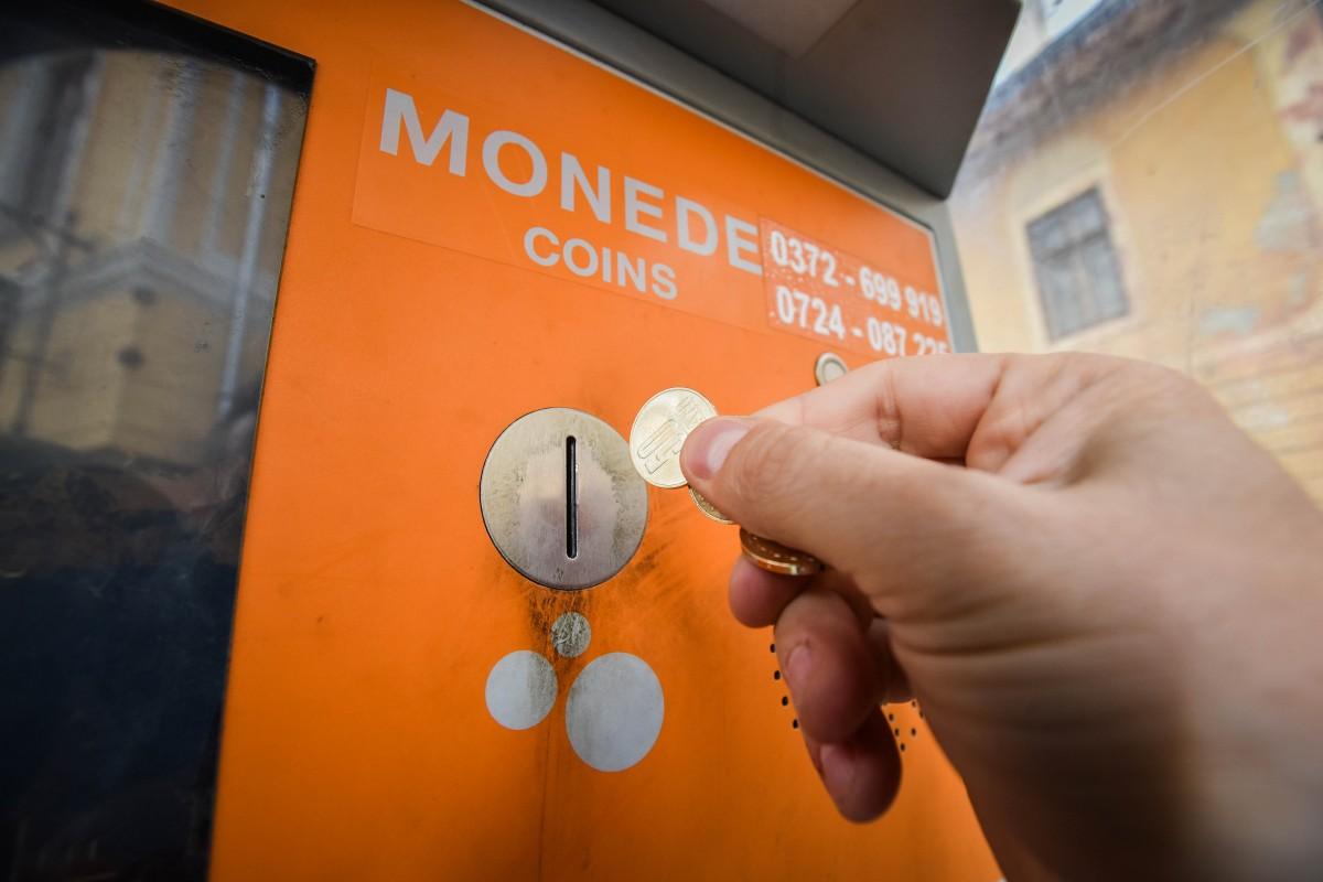 Se înființează noi parcări cu plată în oraș; 15 automate de plată le vor deservi (CP)