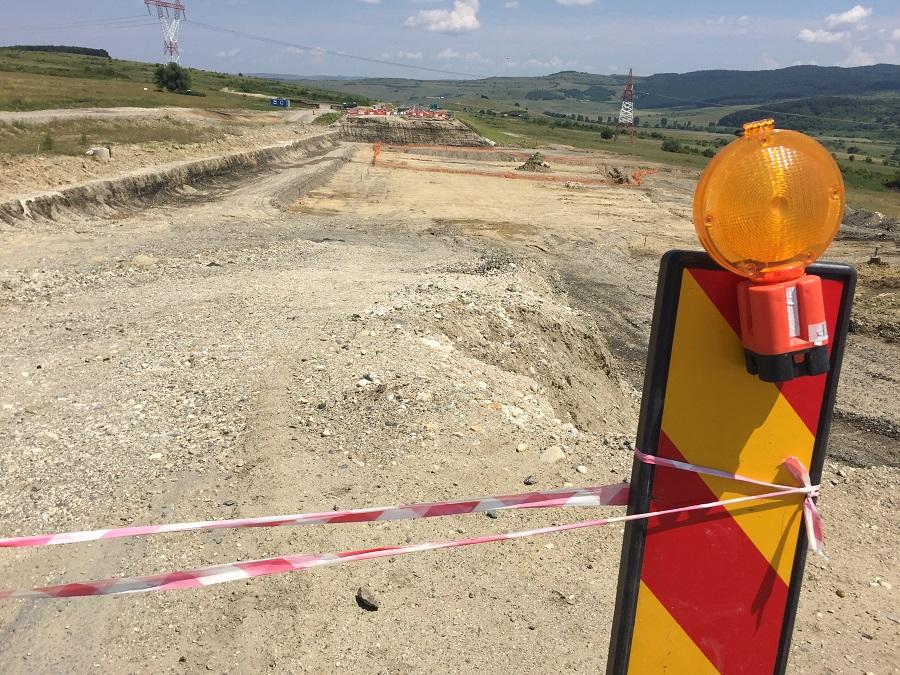 Șantierul autostrăzii închise, părăsit pentru a doua oară