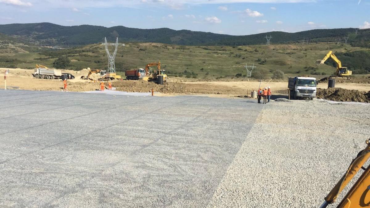 FOTO -VIDEO Lucrările la autostrada Săliște-Cunța avansează vizibil