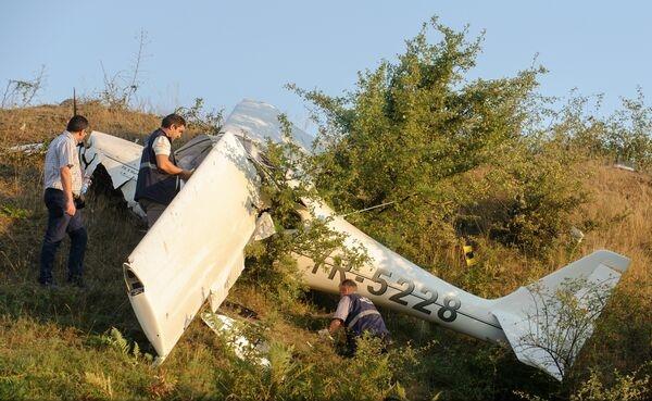 Un avion de mici dimensiuni s-a prăbușit în Iași. Pilotul a murit