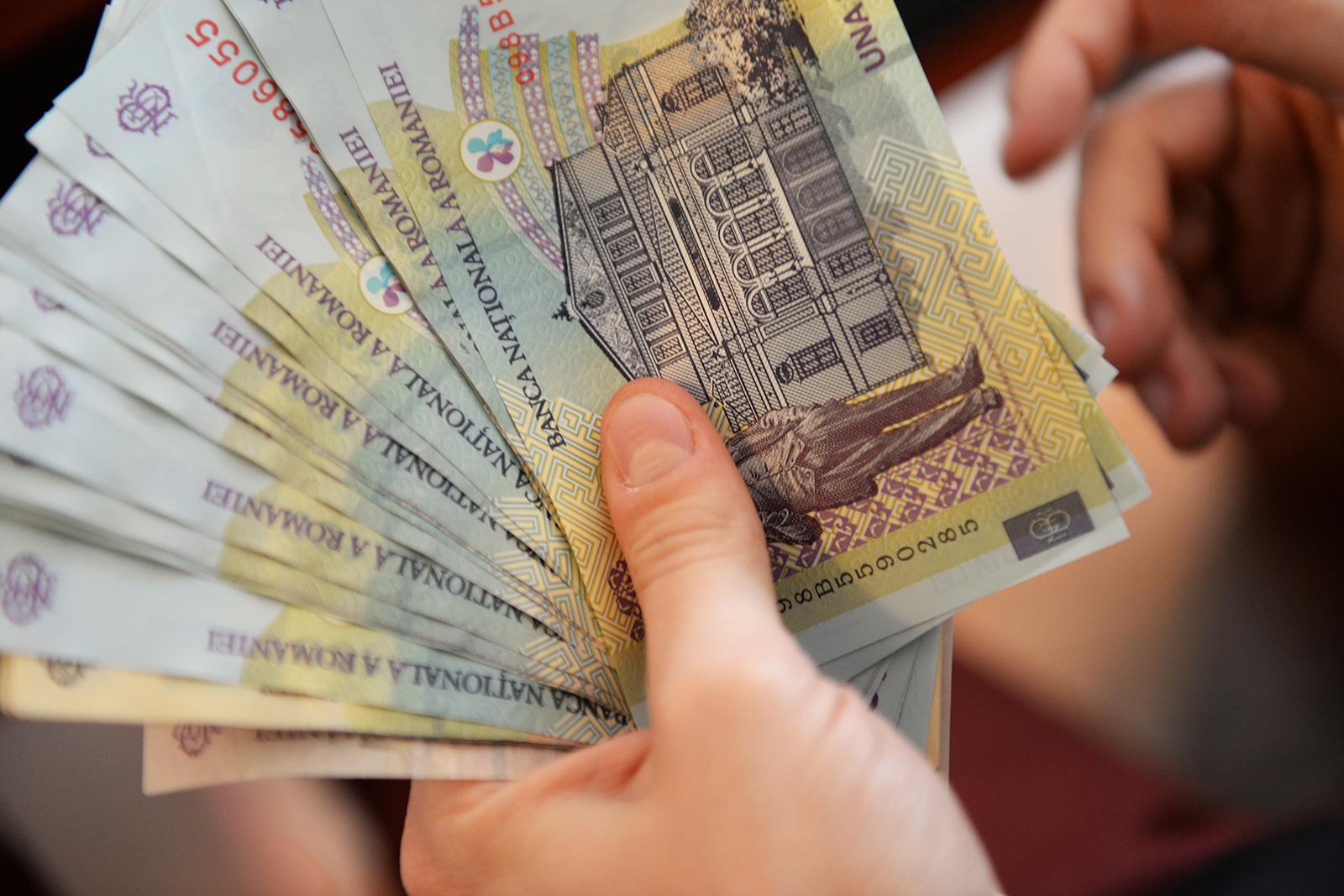Doar bucureștenii, clujenii și timișorenii au salarii mai mari. Creștere de 21% în Sibiu