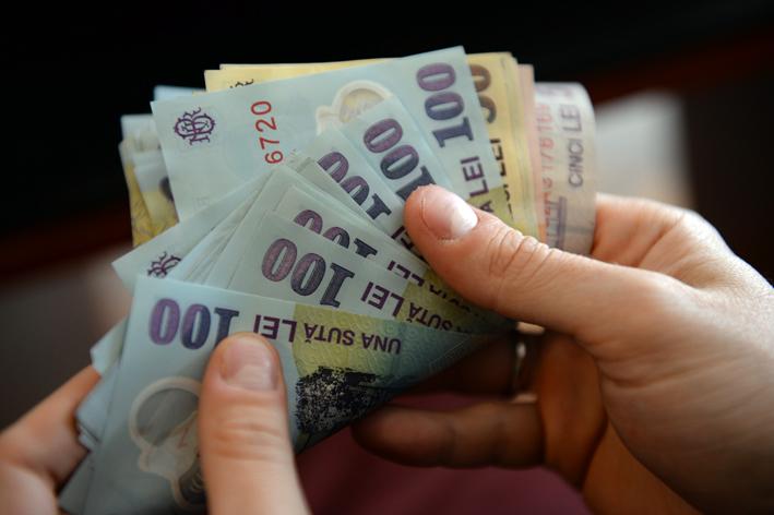 Patronatul Creditului IFN: O decizie a BNR duce în șomaj 10 mii de oameni