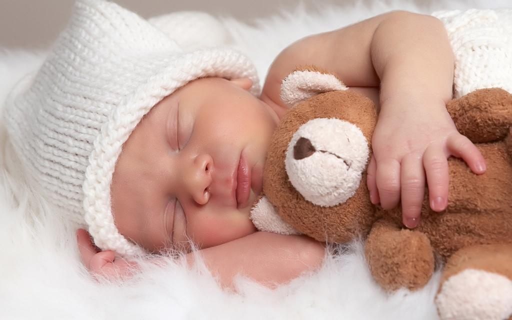 De la începutul anului, s-au născut aproape 400 de bebeluși la Polisano. Vin mămici și din Vâlcea sau Alba