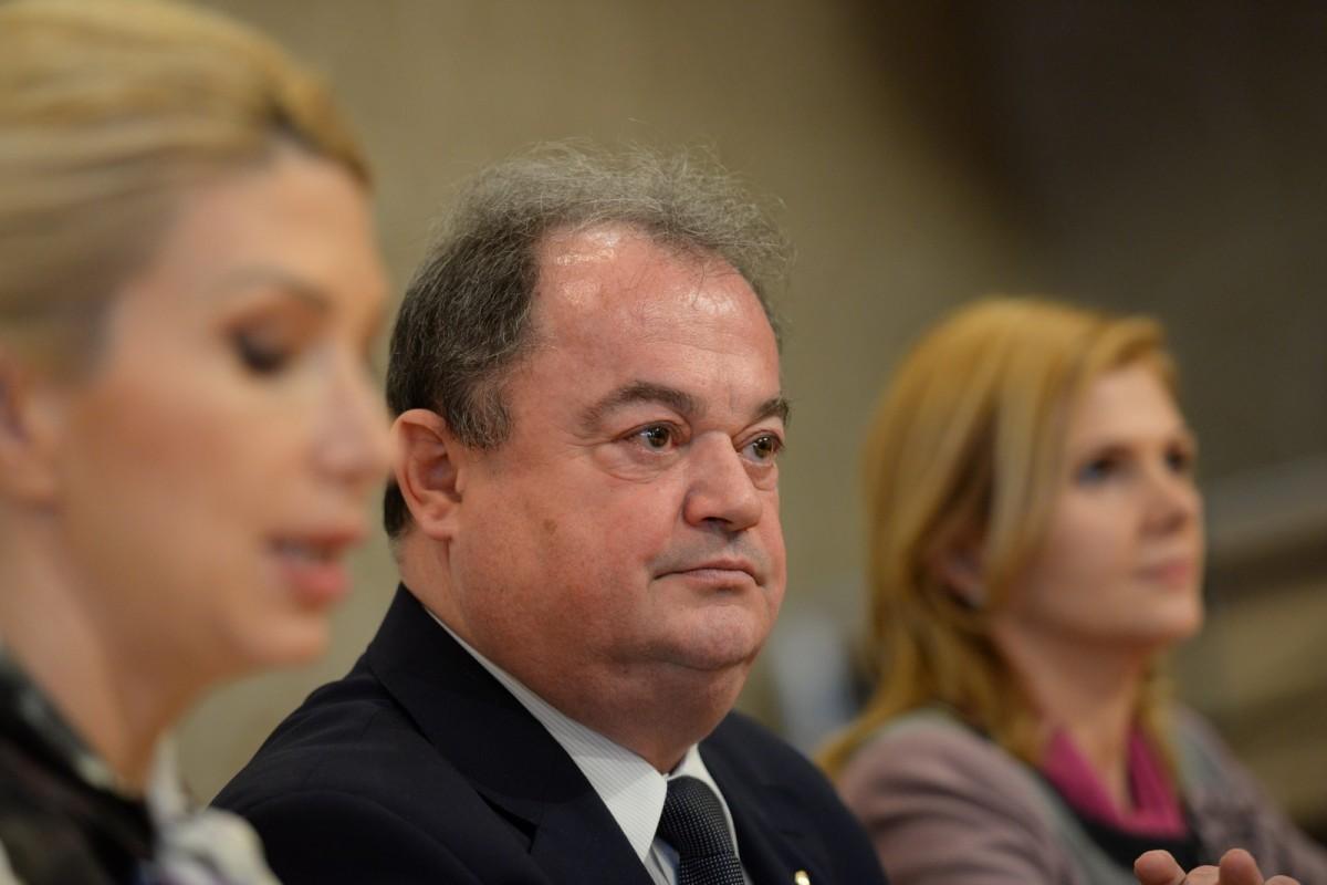 Lista PNL pentru europarlamentare: Blaga, Crin Antonescu, Mircea Hava