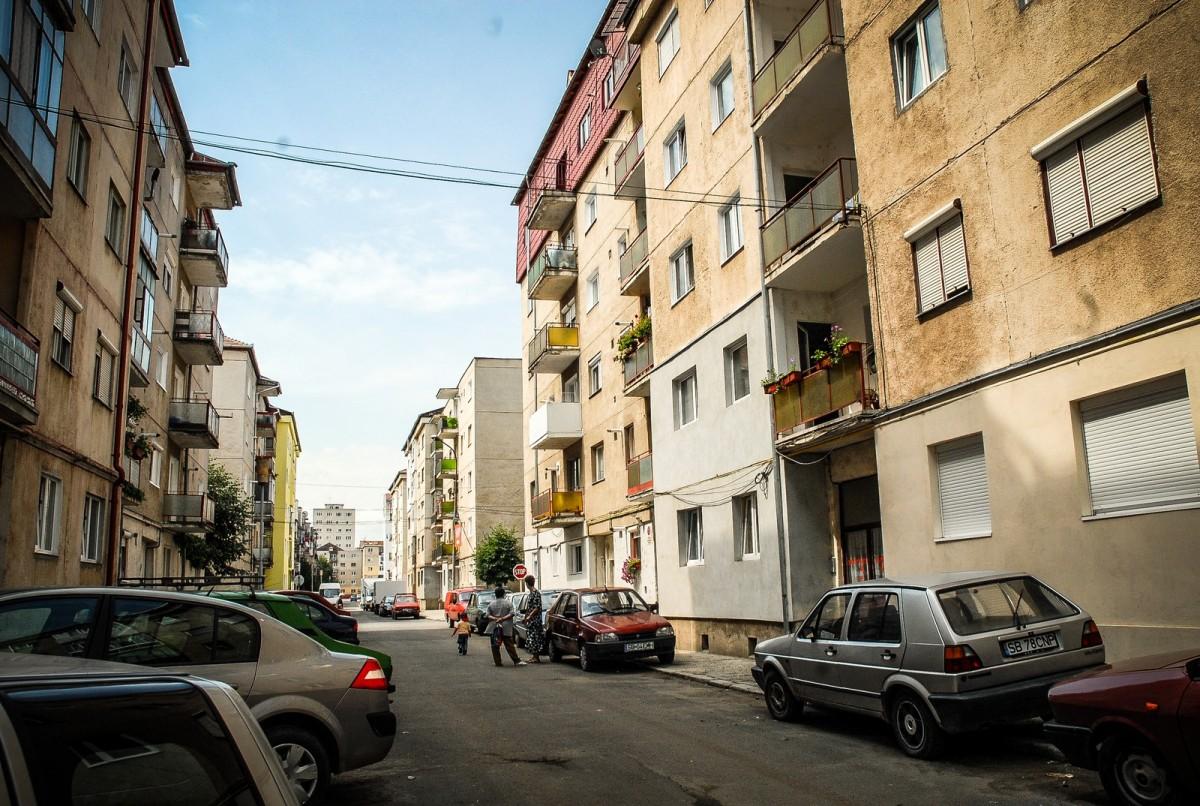 Schimbarea la față a Sibiului. Doar 11 asociații au depus dosare pentru izolarea termică a blocurilor din fonduri europene