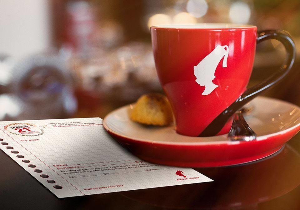 Cafea și ceai în schimbul unei poezii în 13 cafenele din Sibiu