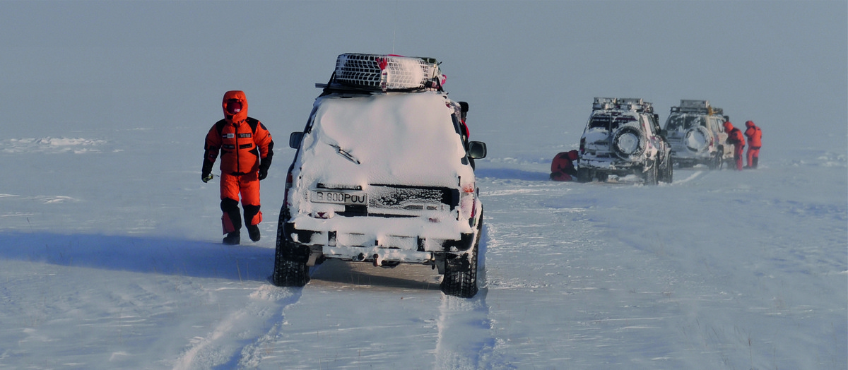 55 de zile la minus 54 grade. Povestea a opt oameni pasionați de aventură