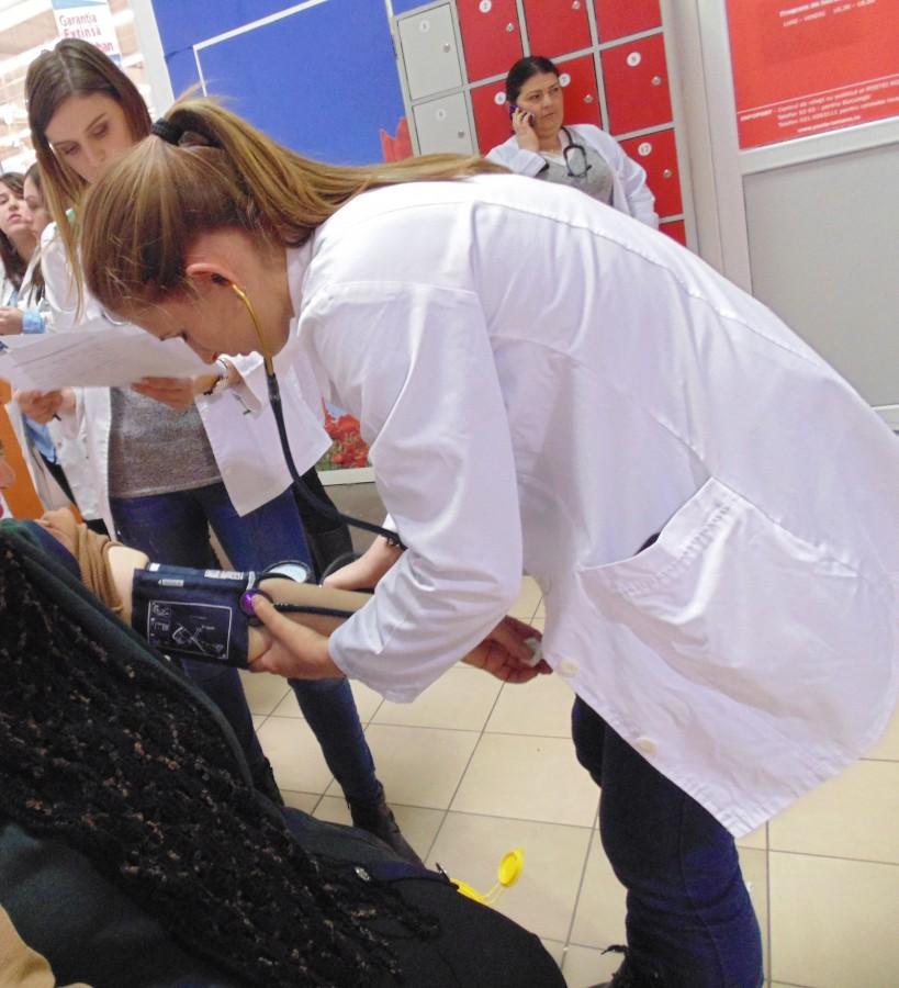 Peste 300 de sibieni testați gratuit de Ziua Mondială Anti-diabet