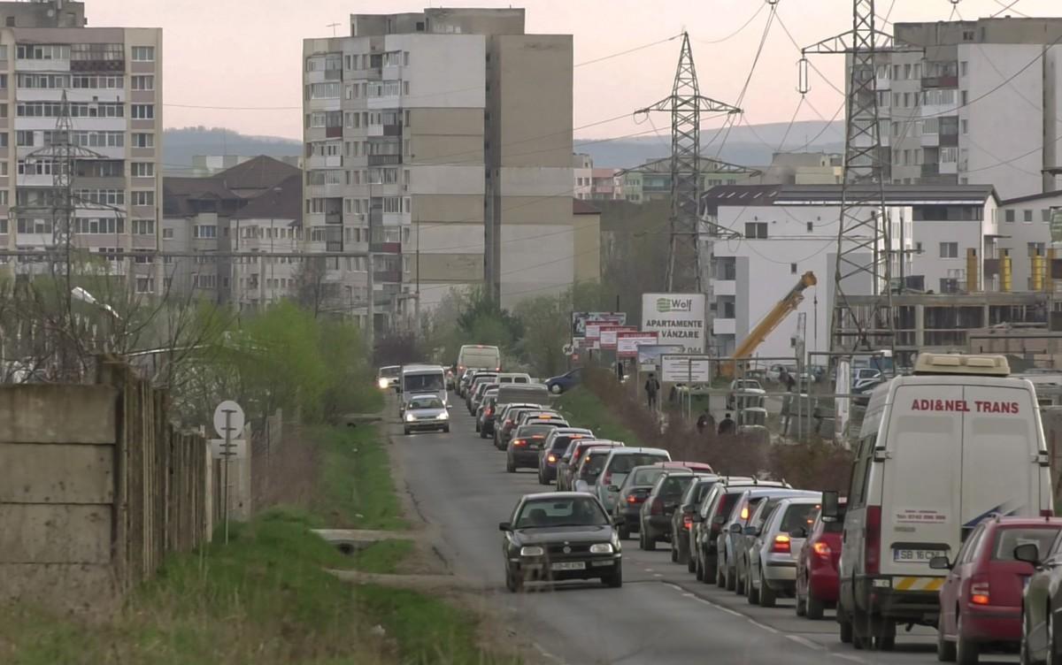 Soluția Consiliului Județean pentru ambuteiajele din Cartierul Arhitecților: a treia bandă de circulație
