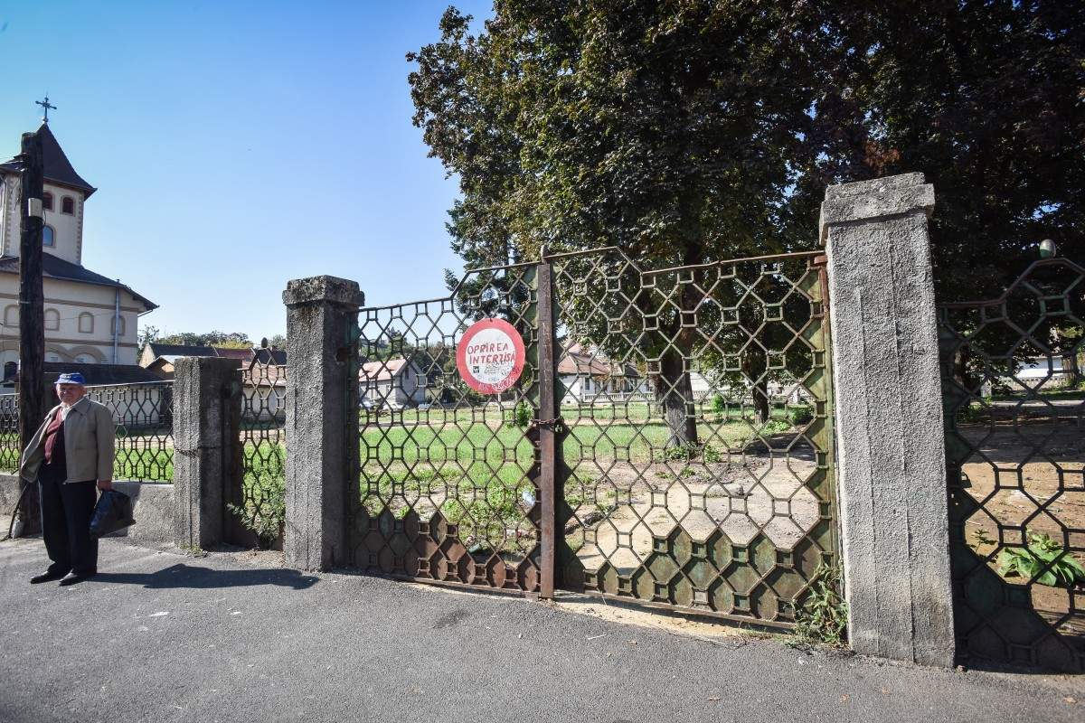 Profesorii de istorie, chemați să contribuie la Cartea monumentelor din județul Sibiu: Primarii nu răspund