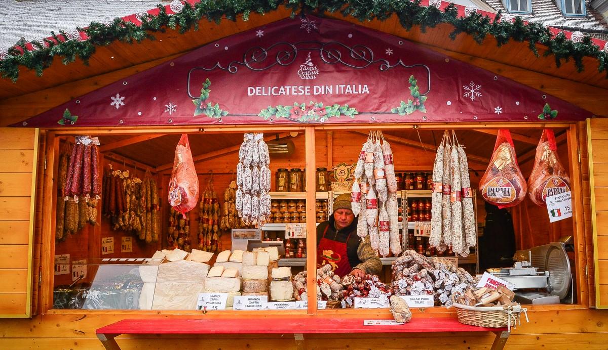Delicatese din Italia în Târgul de Crăciun din Sibiu
