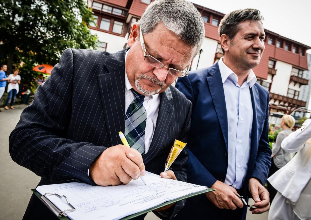 Cazan încearcă și în mandatul 2016-2020. Nu se poate zbor Sibiu – București?