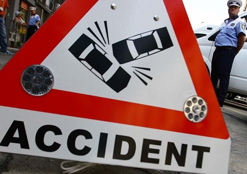ACTUALIZARE - Accident la ieșirea din Șelimbăr. Doi copii, răniți din cauza unui șofer care nu s-a asigurat