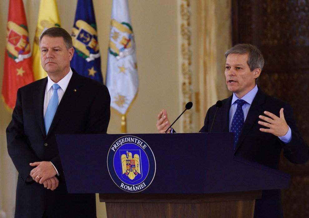 Cioloș: Dacă nu vreți să vă fie teamă să mergeți noaptea pe stradă, dacă vreți un stat care să vă protejeze de infractori, faceți-vă vocea auzită