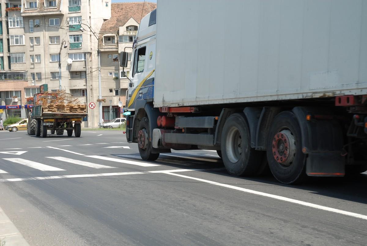 41 de zile, durata de așteptare la Sibiu pentru înmatricularea unui autovehicul comercial