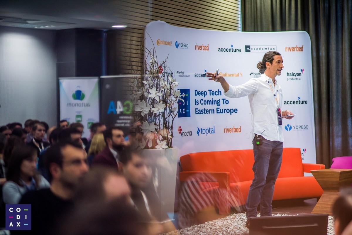 Speakeri de la companii de top în inteligență artificială vin în premieră la Sibiu