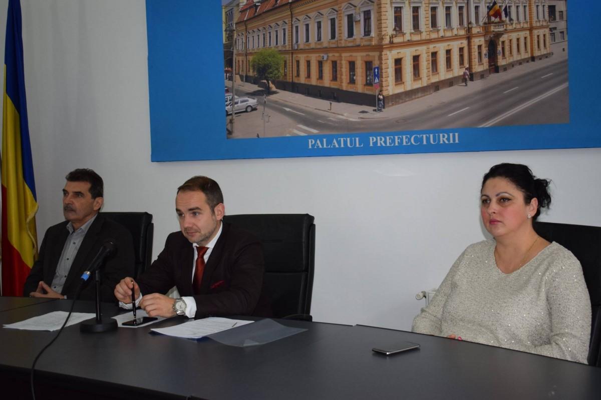 Prefectul județului despre protestele din Sibiu: Îmbârligate, încrucișate și fără nicio noimă