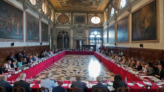 Comisia de la Veneţia despre reformarea Codurilor Penale în România: Toate modificările ar trebui reevaluate