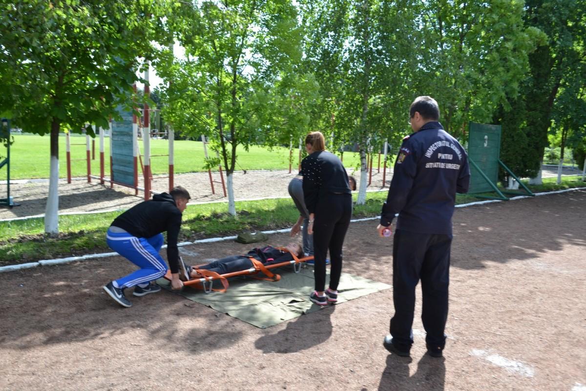 """Elevii școlii nr. 2 din Sibiu au câștigat concursul """"Cu viața mea apăr viața"""""""
