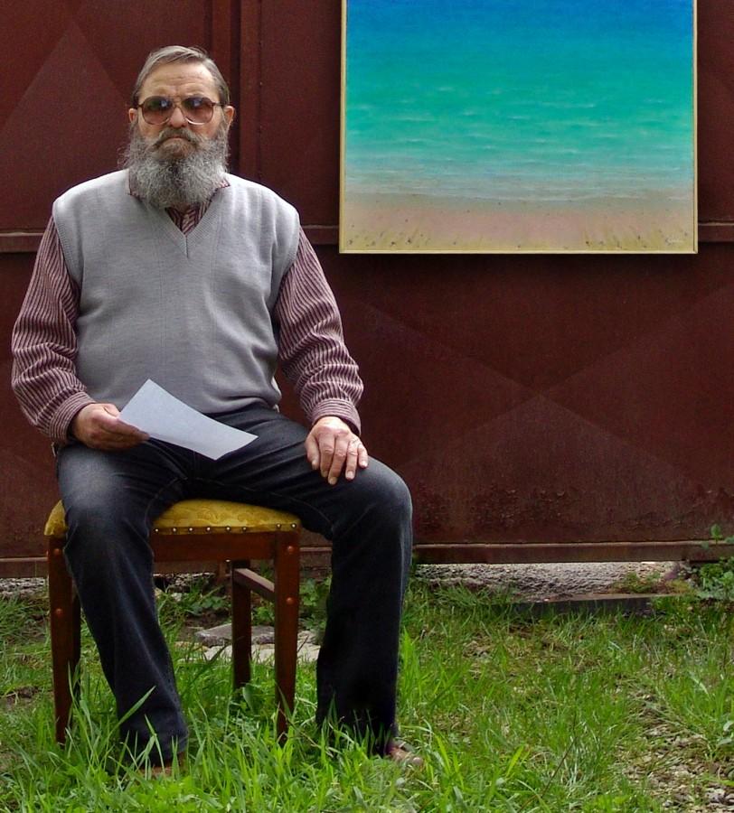 A ieșit în pensie de la Liceul de Artă, însă pictează și la 76 de ani