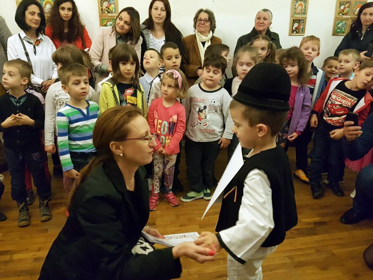Pictori la 6 ani. Lucrările a 68 de copii, expuse la Muzeul Brukenthal
