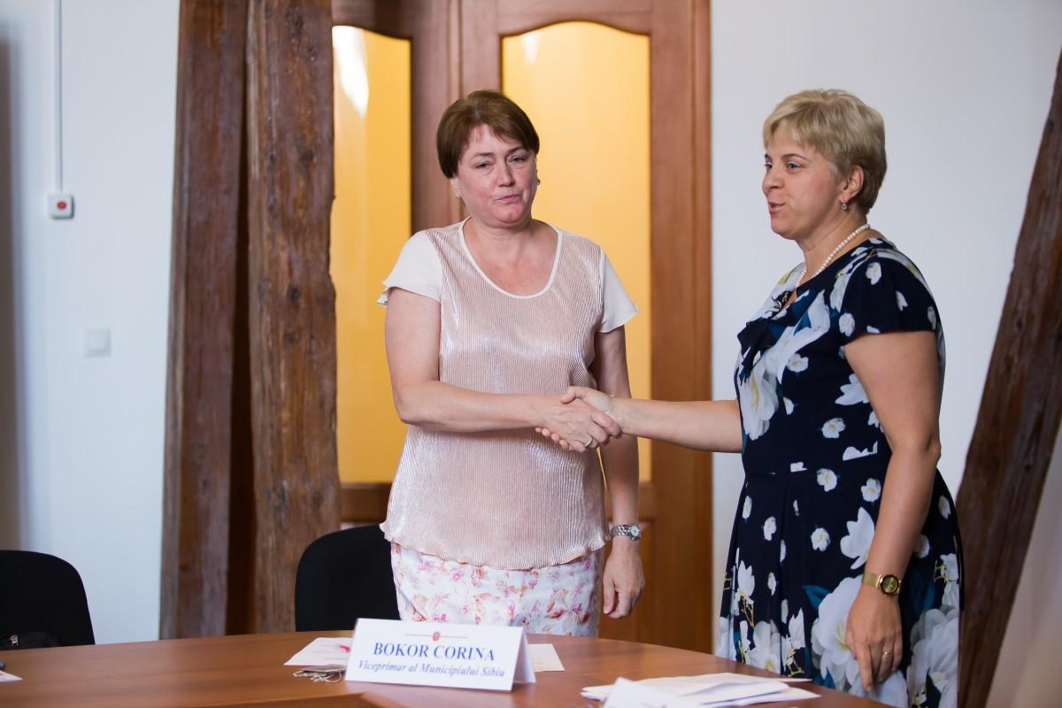 Corina Bokor, noul primar al Municipiului Sibiu. Au votat-o 15 consilieri