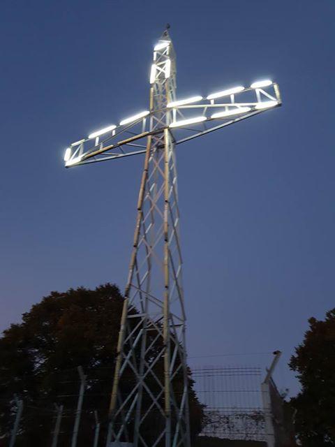 """Crucea de pe Dealul Gușteriței a fost vandalizată. Primăria: """"vor fi făcute reparații"""""""