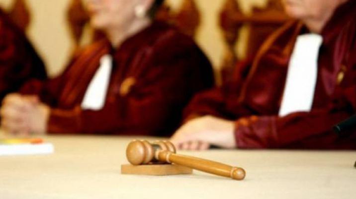 Curtea Constituţională se opune revizuirii Constituţiei. Iniţiativele PNL-USR şi PSD au fost respinse