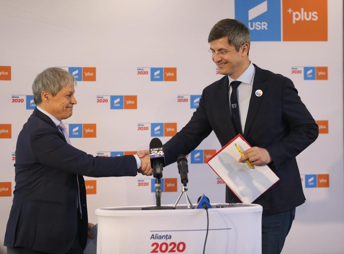 """Barna și Cioloș au lansat la Sibiu """"Manifestul pentru Europa viitorului"""". Ceînseamnă acest lucru"""
