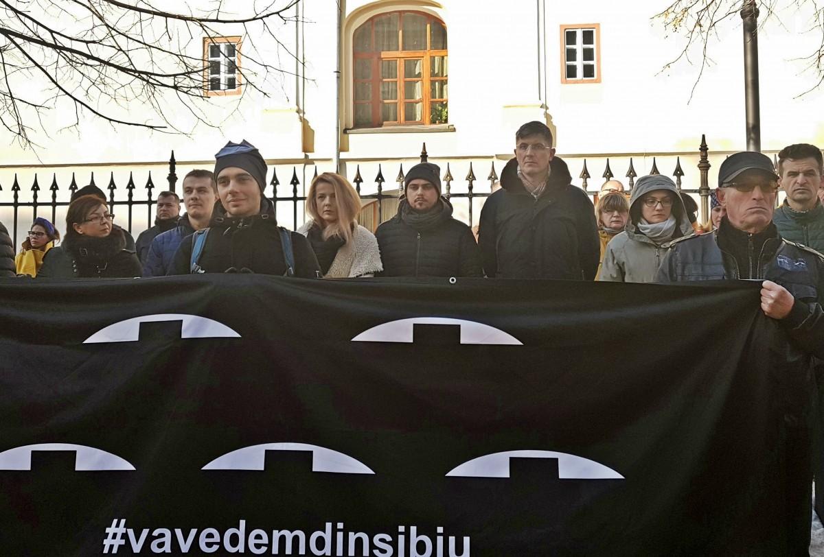 Dan Barna, președintele USR, la flashmob-ul din fața sediului PSD