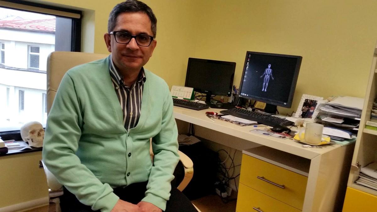 """Dr. Dan Horaţiu, chirurg plastician: """"Am o pacientă pe care am operat-o de 37 de ori"""""""