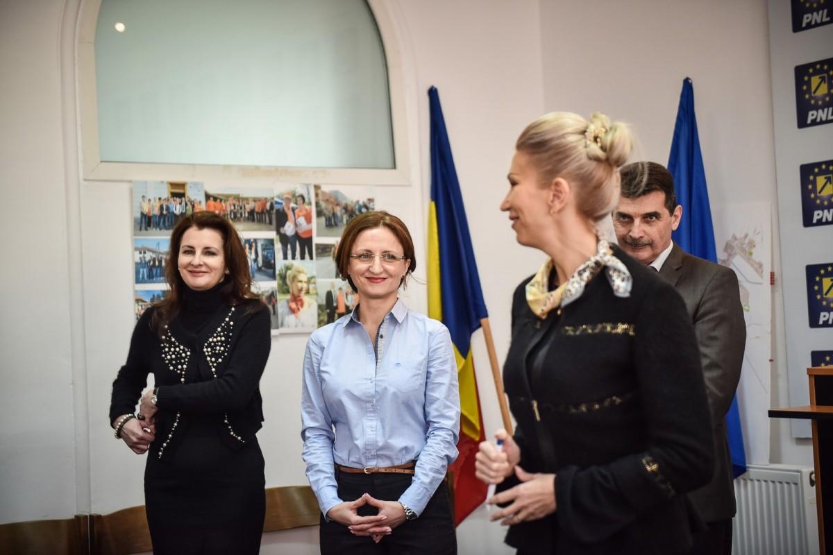 VIDEO.Primii candidați ai PNL Sibiu: Cîmpean - la județ, Roman – la Mediaș, David – la Avrig