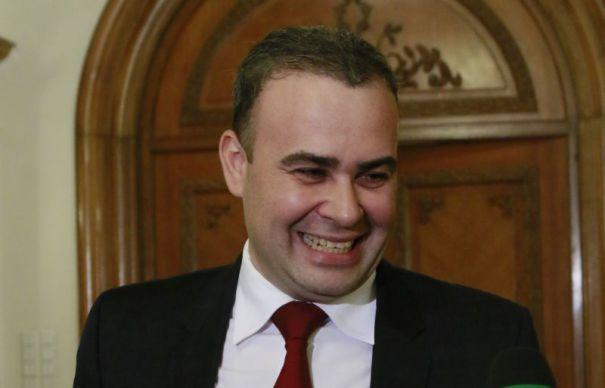 Darius Vâlcov, trimis în judecată pentru mai multe fapte de corupție, numit consilier de stat de premierul Dăncilă