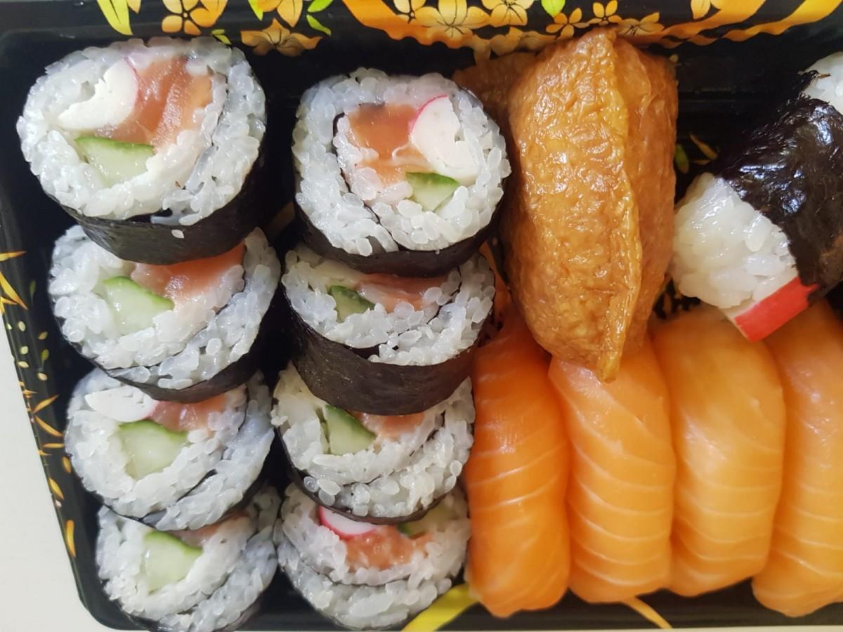 Să mănânci sushi-n mall. Yummy Yang rupe japoneza