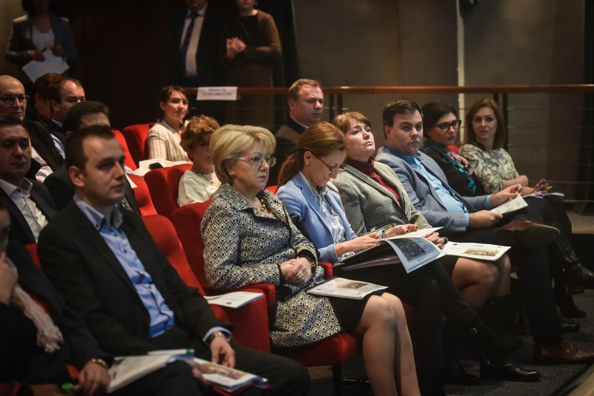Primăria invită sibienii la dezbaterea finală a Strategiei de dezvoltare a Sibiului. În limita locurilor disponibile