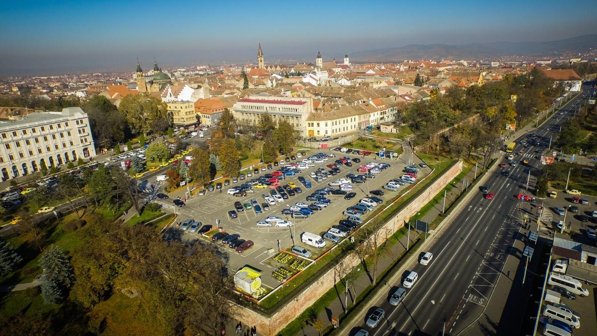 Bun venit în 2019: în Sibiu parcarea poate fi plătită cash, cu cardul, on-line sau cu telefonul