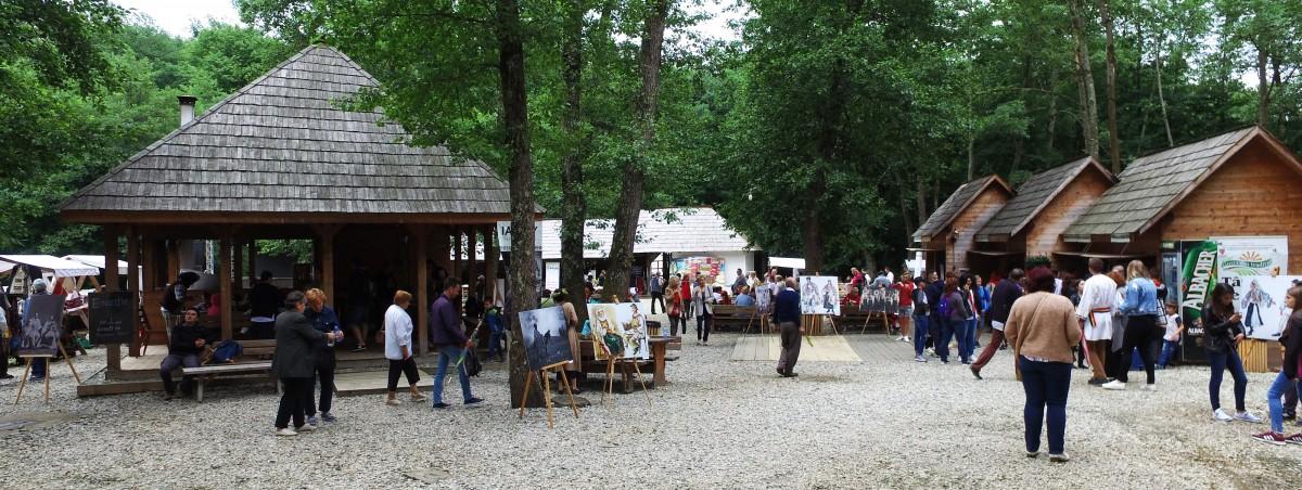 Muzeul ASTRA valorifică în weekend cultura, gastronomia și tradițiile din două comunități