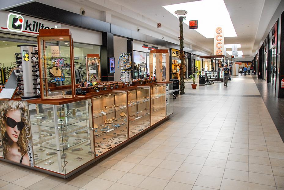 Permutări importante în mall. Cinci deschideri de magazine în septembrie, patru luna aceasta