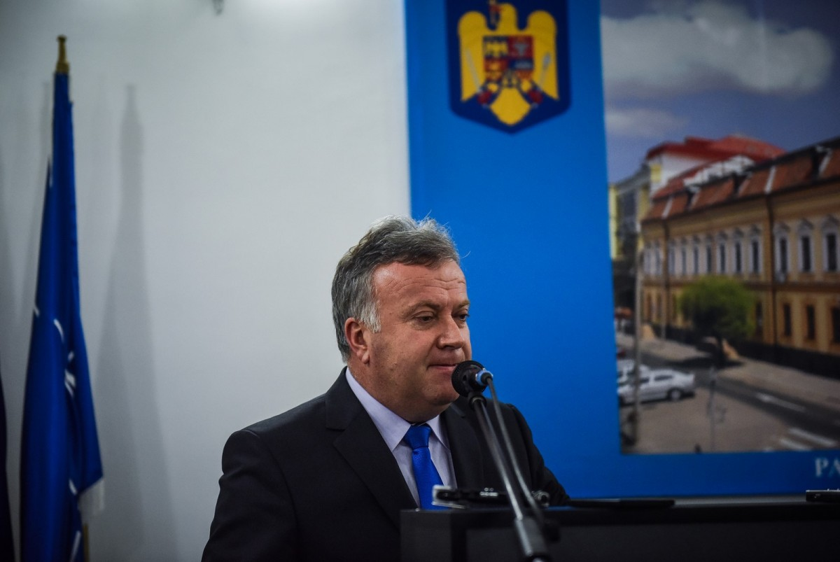 """Șovăială: """"Din România se pleacă aproape ca din Siria , iar Statul împarte mărțișoare!"""""""