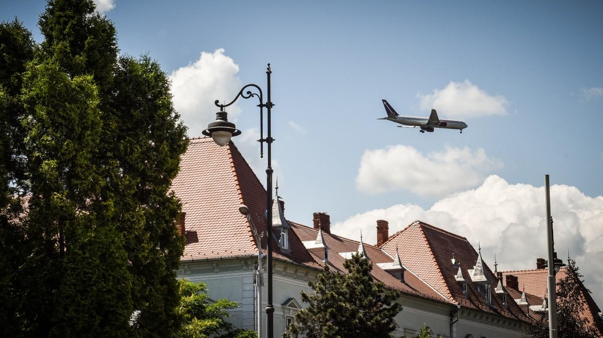 Aeroportul Sibiu, cea mai mare creștere în România. Ce se întâmplă din 2020, când apare Aeroportul Brașov