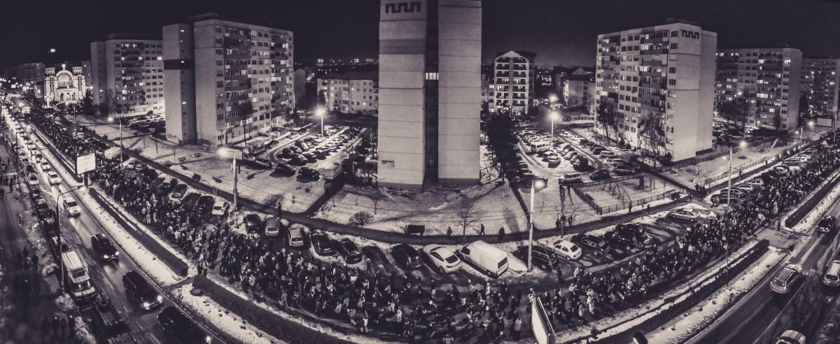 """""""Astăzi ne luăm țara înapoi"""". Sibienii se mobilizează pentru protestele din această seară"""