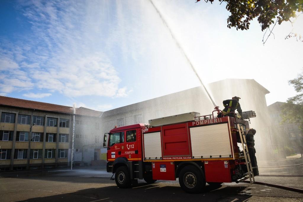 42 de școli din județ funcționează fără autorizație de securitate la incendiu