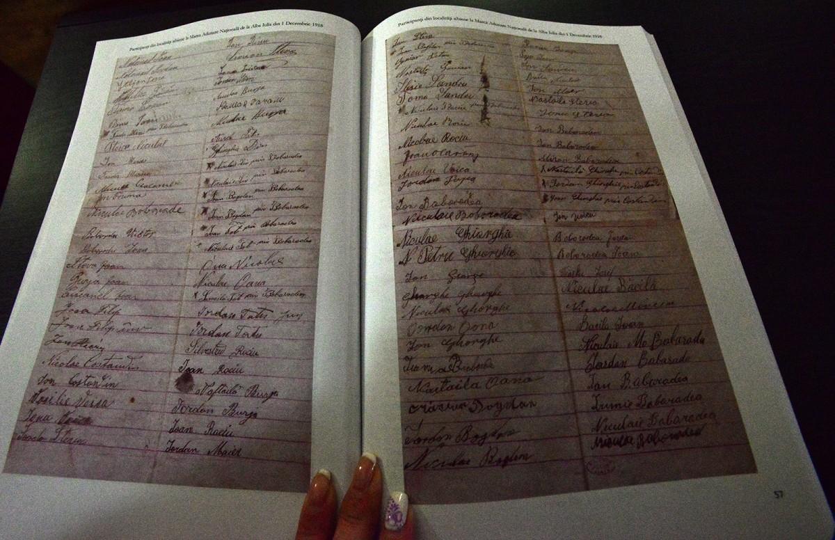 Documentele Unirii: cum au strâns sibienii liste de semnături pentru unirea cu România