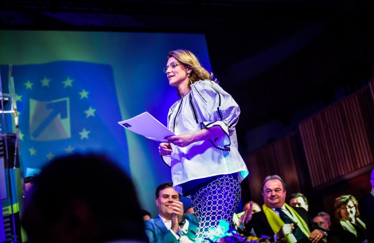 PDL a votat ca Alina Gorghiu să rămână preşedinte unic