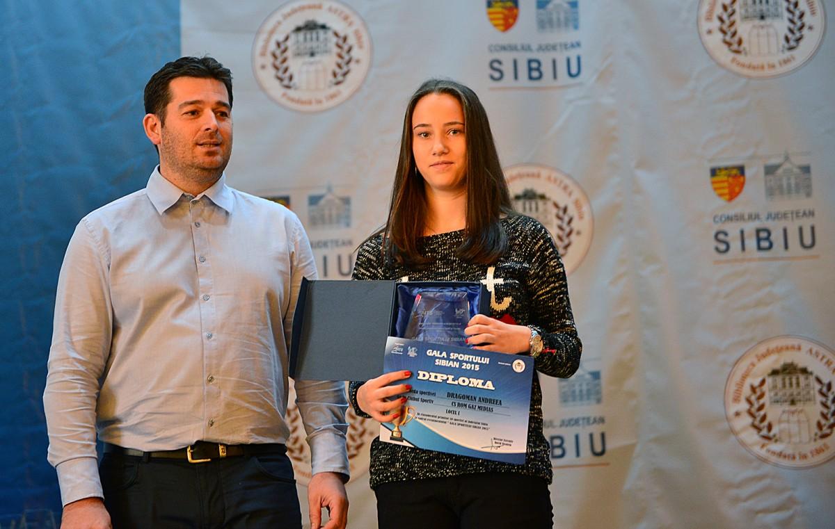 FOTO | Andreea Dragoman și Dorian Neagu, sportivii anului 2015 din judeţul Sibiu